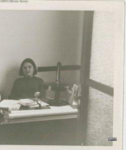 rosa-en-el-escritorio_0001