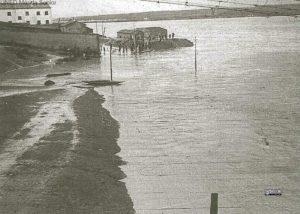 CRECIDA GUADIANA 1947, AL FONDO MOLINO PAN CALIENTE